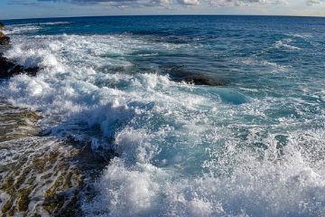 IL MARE COME EMOZIONANTE METAFORA DELLA VITA: aforismi e frasi poetiche sul mare…